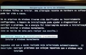 Windows diz estar danificado e exige reparo, que não funciona. (Foto: Luciana Leme/Arquivo pessoal)